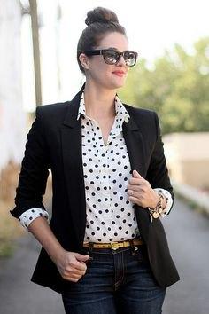 vit prickig skjorta svart kavaj
