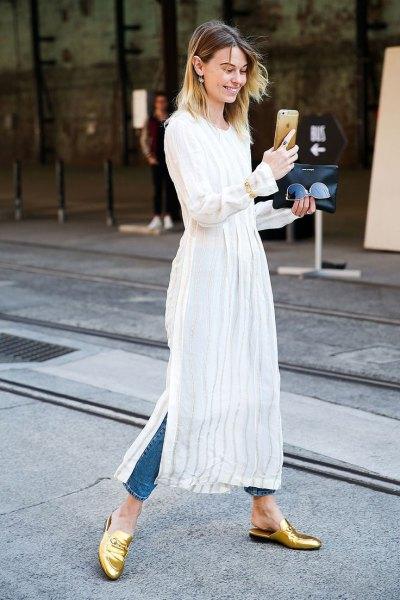vit maxi-tunika över smala jeans
