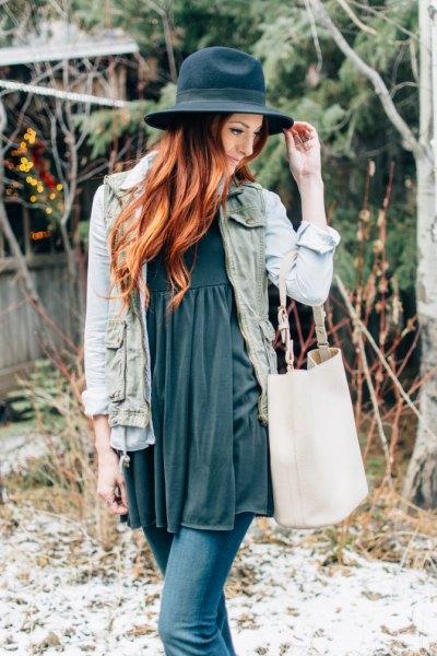grå babydoll klänning jeansjacka