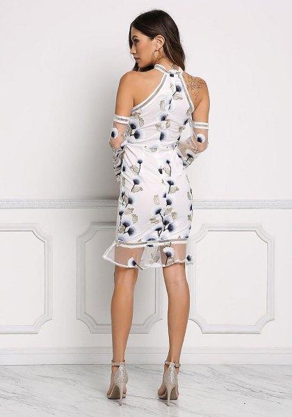 vit, blommabroderad miniklänning med halterneck