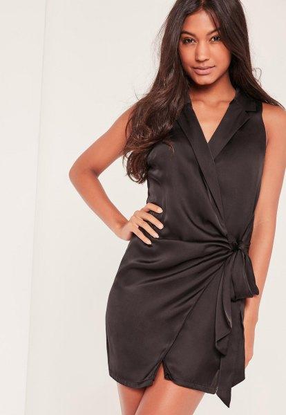 ärmlös miniklänning i svart siden