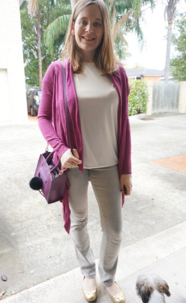 lila kofta med ljusrosa långärmad t-shirt