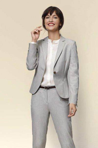 ljusgrå casual jacka med kragefri skjorta
