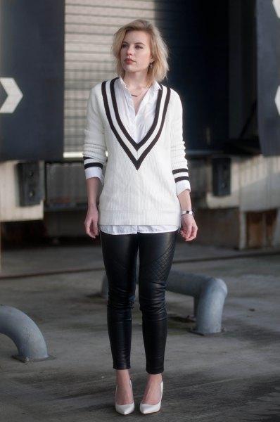 vit och svart V-ringad tröja, skjorta med knappar och läderjackor