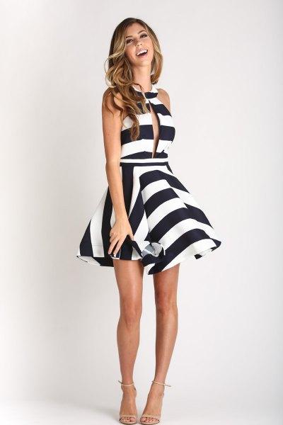 svart och vit randig halterneck mini baksmälla klänning