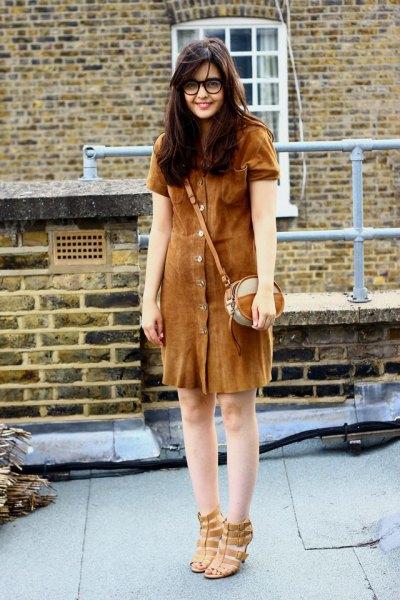 brun mockaskjortklänning med knapplås
