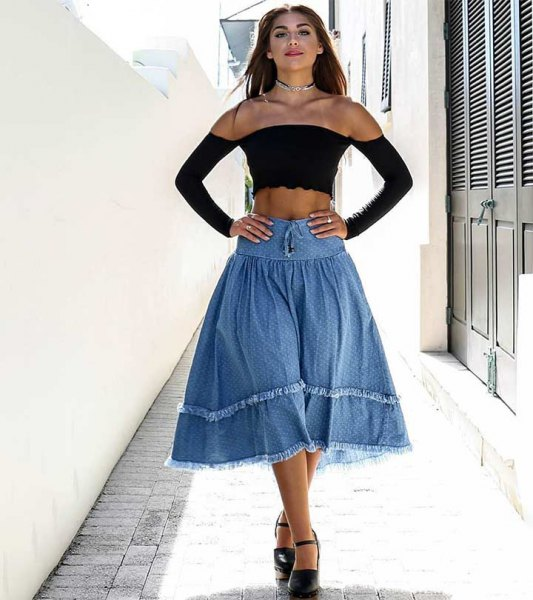 Off-the-shoulder, långärmad crop top med off-the-shoulder midi denim kjol