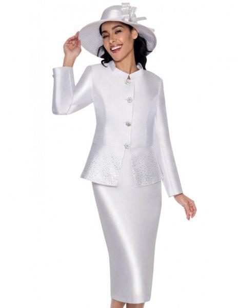 vit siden kjol kostym med matchande filthatt