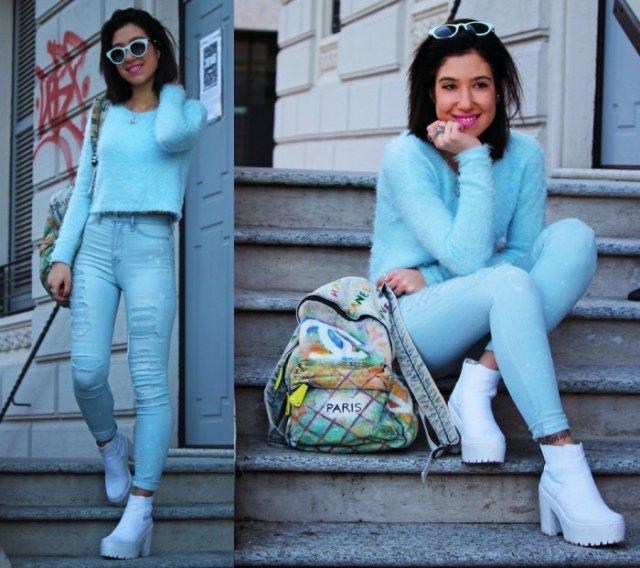 himmelsblå tröja jeans ankel stövlar