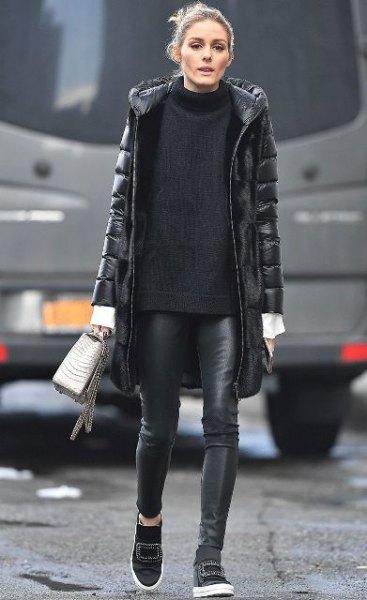 svart lång pufferrock med bekväm tröja med ståkrage och läderjackor