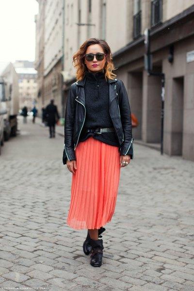 svart turtleneck läderjacka med turtleneck tröja