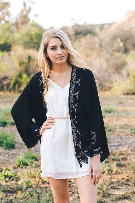 svart spets kimono vit klänning