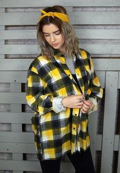 gul överdimensionerad rutig skjorta med svarta skinny jeans