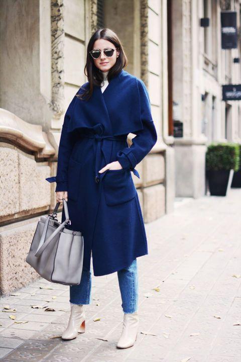mellankalva blå kappa