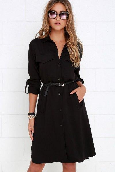 svart trenchcoat klänning med bälte