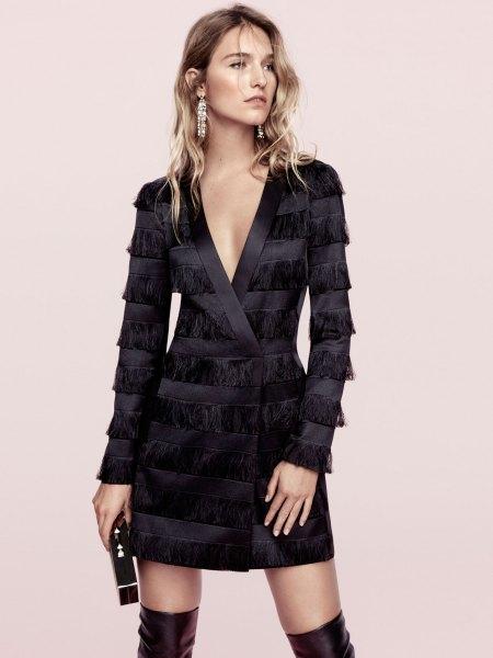 svart jacka klänning med siden fransar