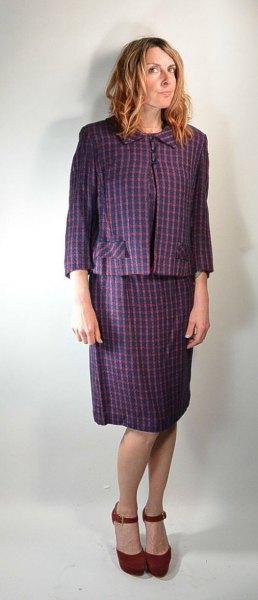 grå rutig kavaj med matchande knälång kjol med rak snitt