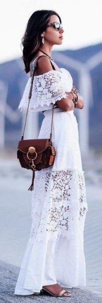 vit av axel lång klänning