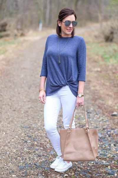 blågrön twist framtill med vita skinny jeans