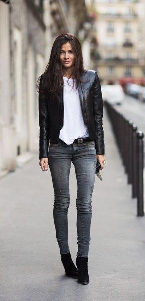 svart kavaj med grå skinny jeans och mockaskor
