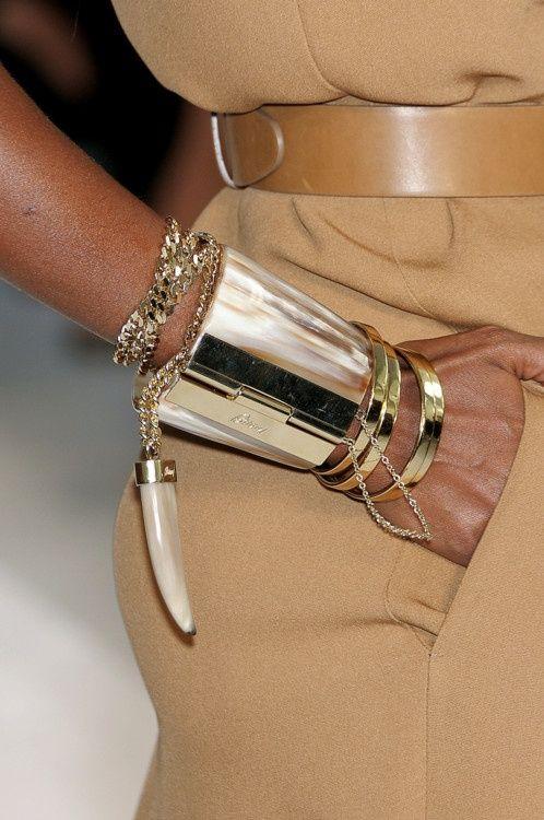 Armband i silver manschett inspirerad av Afrika