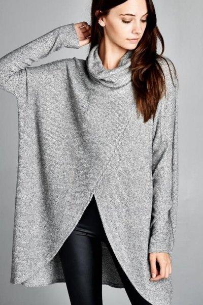 grå turtleneck med svarta, smala leggings