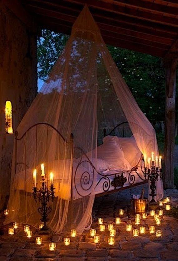 30 spöklika sovrumsinredningsidéer med subtil Halloween-atmosfär.