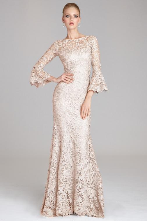 kort lila mor till brudens klänningar