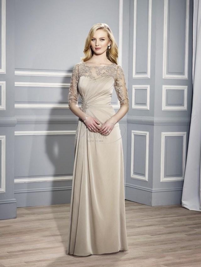 långa klänningar till brudmor