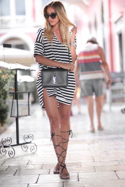 svartvitt randig delad miniklänning