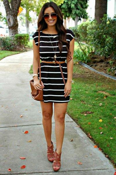 svart och vit randig klänning tunn bälte