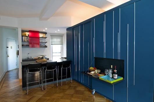 450 SF Liten lägenhet med ett stycke multifunktionell inredning