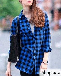 blå och svart rutig flanellskjorta med mörka skinny jeans