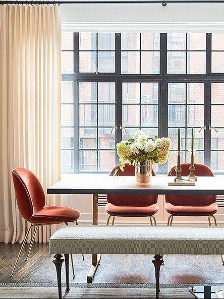 Designer Bennett Leifer har infunderat sin lägenhet före kriget.