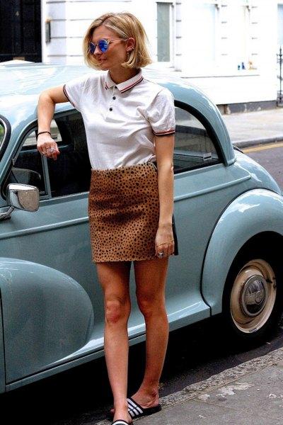 vit polotröja med hög kjol med leopardmönster