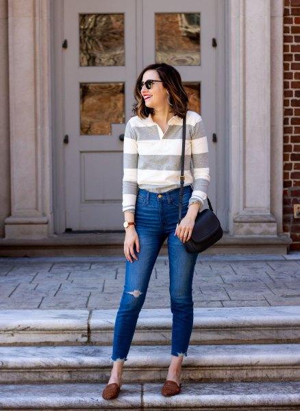 rosa och vit bred randig långärmad polotröja med smala jeans
