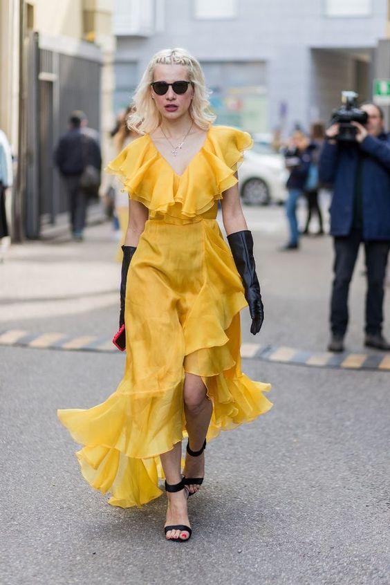gul ruffle maxiklänning