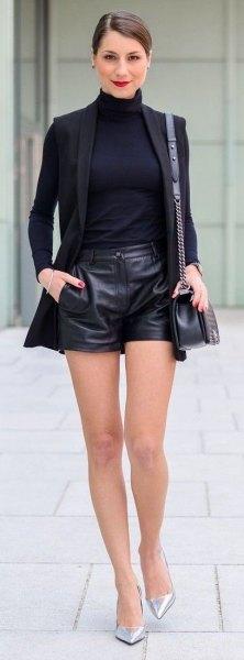 Läder shorts svart blazer outfit