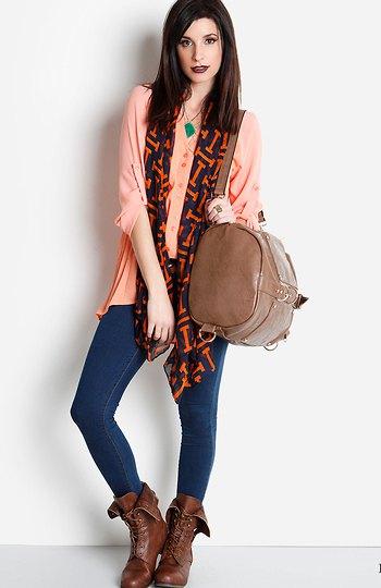 Crepe blus skinny jeans vika brunt läder över fotkängor
