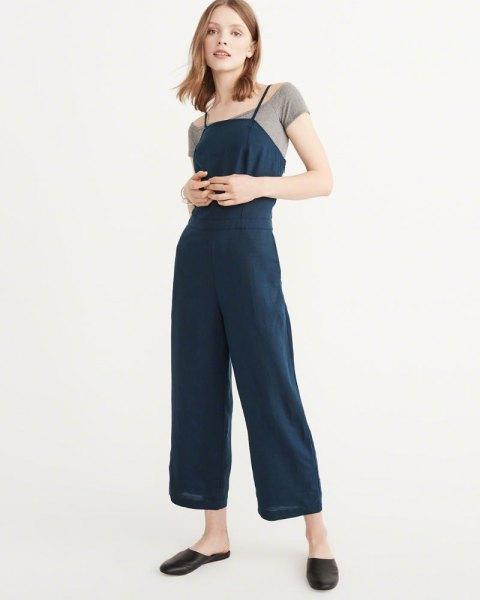 Marinblå culotte jumpsuit grå t-shirt