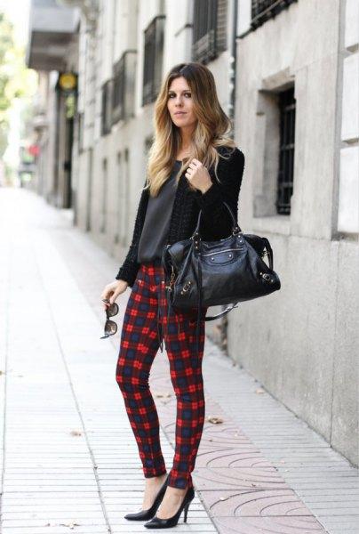Kofta med svartvita rutiga leggings