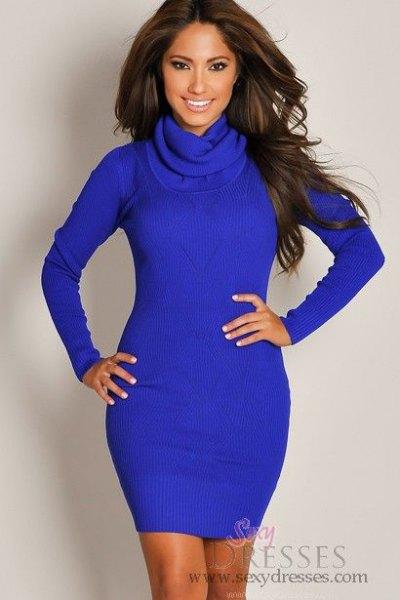 ljusblå, långärmad, figurkramande miniklänning med ståkrage