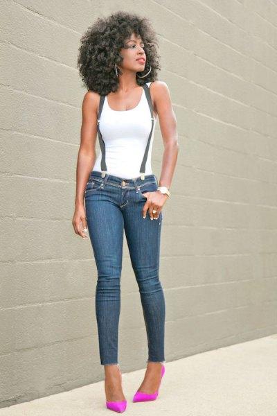 vit linne med axelbandsmager jeans