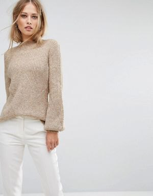 grå ribbad tröja vita skinny jeans