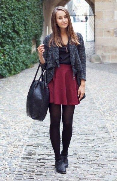 ljunggrå kort ulljacka med rödbrun mini veckad kjol