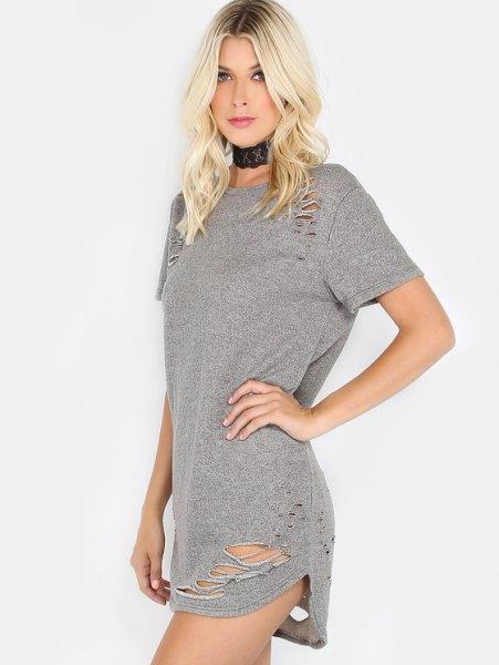 grå rippad mini-t-shirtklänning med svart krage