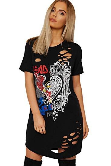 svart grafisk rippad t-shirtklänning med lårhöga stövlar