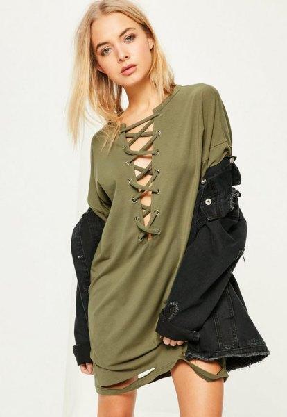 grön spets t-shirt klänning framtill med svart jeansjacka