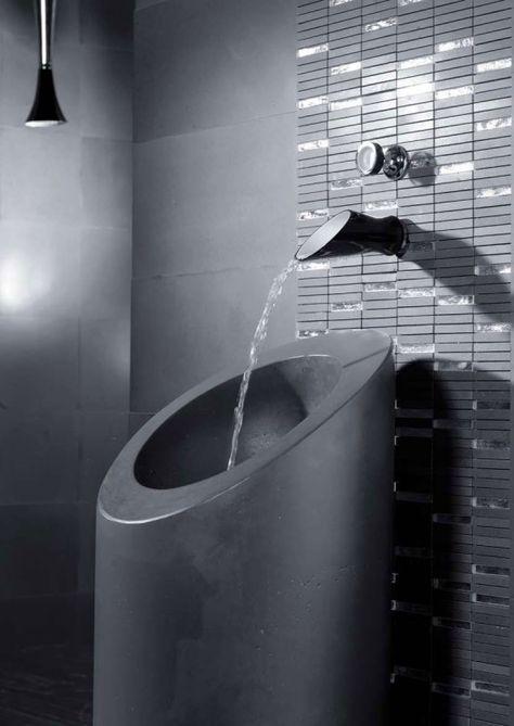 Svartvita badkranar och duschhuvud från Bongio.