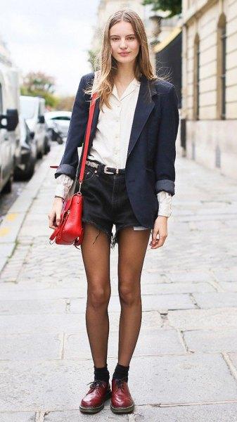 Oxford skor svart jeansshorts vit skjorta